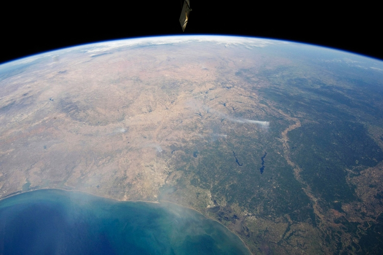 Drought-driven Texas wildfires as viewed from the Space Station